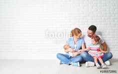 "Pobierz zdjęcie royalty free  ""happy family father mother and children at empty…"