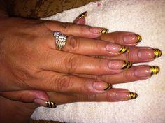 Gold zebra nails