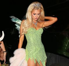 Paris Hilton - As Tinkerbell at Halloween party in Los Angeles on Oct 31 Mode Halloween, Badass Halloween Costumes, Celebrity Halloween Costumes, Trendy Halloween, Cute Costumes, Halloween Outfits, Costumes For Women, Girl Costumes, Unique Costumes