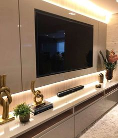 home theater planejado Home Idea {HI} Home Cinema Room, Home Theater Rooms, Tv Wall Design, Design Case, House Design, Lounge Decor, Home Interior, Interior Design Living Room, Living Room Theaters