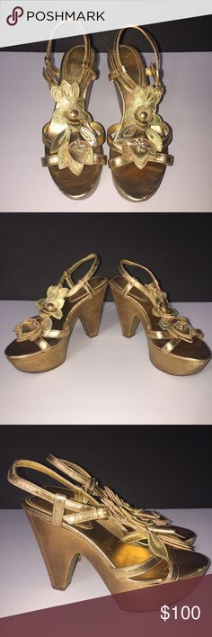 ‼️Coach Heels‼️ Coach Gold Leather Platform, Open Toe Flower Strappy Size 5 Heel! Worn twice, has a few marks but still in great condition! Coach Shoes Heels