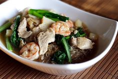 Penang Char Hor Fun (炒河粉) recipe - If you are a bachelor, perhaps you might want to try my recipe and make this dish for your girlfriend. And while you are at it, make some extras for your future parents-in-law, too! #malaysian