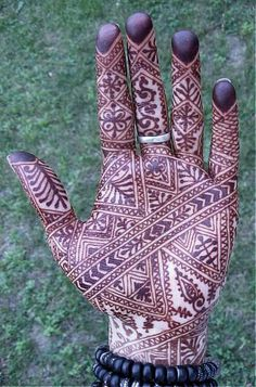 2411954277_451e180cbc_o by Nomad Heart Henna, via Flickr