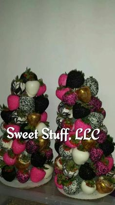 Strawberry Trees Strawberry Art, Strawberry Pretzel, Strawberry Delight, Chocolate Covered Treats, Chocolate Dipped Strawberries, Gourmet Candy Apples, Candy Kabobs, Fruit Arrangements, Chocolate Bouquet