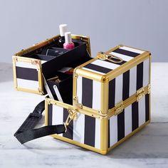 The Emily & Meritt Beauty Carry-All Case | PBteen