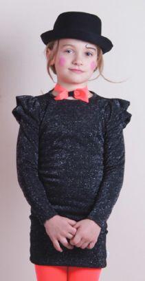 Robe noir argenté avec volets 47€ Knast
