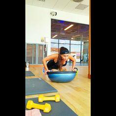 #pushups #strength #workout #exercise #BOSU Ski Exercises, Foam Roller Stretches, Skiing Workout, Bosu Workout, Ball Workouts, Bosu Ball, Medicine Ball, Snow Skiing, Strength Workout