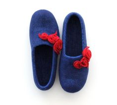 Women slippers - felted wool slippers from blue merino wool with red roses - made to order by AgnesFelt on Etsy