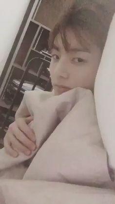 Bts jungkook video Jungkook my Bts Taehyung, Kookie Bts, Bts Bangtan Boy, Jungkook Selca, Jeon Jungkook Photoshoot, Photoshoot Bts, Bts Lockscreen, Bts Funny Videos, Bts Memes Hilarious