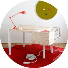 Clark desk by the Berliner Collectif