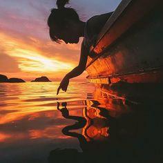 Cada coisa que você adiciona a sua história é uma gota de pintura que cai na água clara de sua vida; Ela se espalha e colore tudo!!!