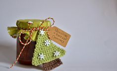 A Little Christmas Tree gift tag, free pattern by Chrissie Crafts, thanks so for share xox