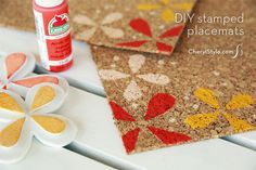 DIY stamped cork placemats for your summertime table - free printable!  www.CherylStyle.com