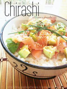 Chirashi salmone e avocado Sushi Recipes, Asian Recipes, Healthy Recipes, Ethnic Recipes, Salmon Avocado, Exotic Food, Oriental, International Recipes, Food Presentation