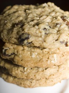 Perfect Oatmeal Raisin Cookies- I trust Bakerlady like I trust my own mother.Perfect Oatmeal Raisin Cookies- I trust Bakerlady like I trust my own mother. I will make these and they will be incredible. Cookie Desserts, Just Desserts, Cookie Recipes, Delicious Desserts, Dessert Recipes, Delicious Cookies, Cookie Ideas, Soft Oatmeal Raisin Cookies, Chocolate Chip Cookies