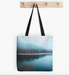 Liker du å være annerledes en alle andre?  #likerdu #annerledes  #tasker #puter #design #interior Tote Bags, Ted Baker, Pillows, Design, Tote Bag, Totes, Cushions, Pillow Forms