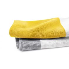 Manta Bugaboo de algodón,  Añade un toque de color a tu cochecito con la manta de algodón bugaboo, Hecho con algodón suave y transpirable que mantiene cómodo a tu hijo. Esta ligera manta aporta aún más confort a tu cochecito y, ¡es el accesorio perfecto para acurrucarse en casa!