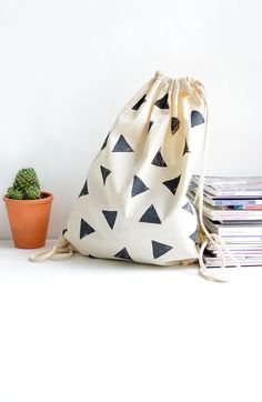 DIY block stamped bag - create your own geometric pattern with stamps and this tutorial