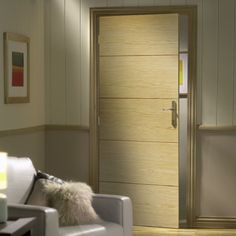 Bespoke Lille Oak Flush Door - Prefinished.    #bespokedoor #internaldoor #internaldesign  #oakdoor #doordesign #moderndoor