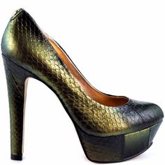Ivanka Trump heels New I used for maybe an hour or two. The color is beautiful green copper snake print. My loss your gain.  Ivanka Trump Shoes Heels