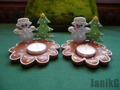 Vánoční svícínky. Birthday Candles, Cookies, Christmas Ornaments, Holiday Decor, Home Decor, Pictures, Crack Crackers, Decoration Home, Room Decor