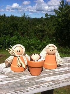 Nativity from clay pots Nativity Crafts, Christmas Nativity, Winter Christmas, Christmas Holidays, Christmas Decorations, Christmas Ornaments, Nativity Sets, Flower Pot Crafts, Clay Pot Crafts