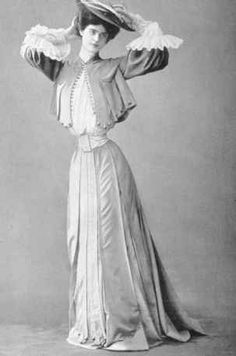 Costumes by Jeanne Paquin in 1903. I do not know the author of this picture is, but I chose it because i am impressed by the waist of the dress-it's so small and so lovely sleeves!