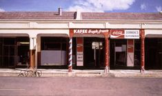 Cape Town artist John Kramer is renown for his realistic paintings depicting the disappearing small town shops, corner cafe's and general dealer stores Unique Paintings, Realistic Paintings, Corner Cafe, South African Artists, Art And Architecture, Lightroom, Oil On Canvas, Art Gallery, Outdoor Decor