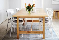 Browse our selection of dining furniture and find your next dining table to enjoy your favorite meals or host dinner parties with products from IKEA. Ikea Dinning Table, Family Room, Sweet Home, New Homes, Chairs, House, Apartment Ideas, Furniture, Basement