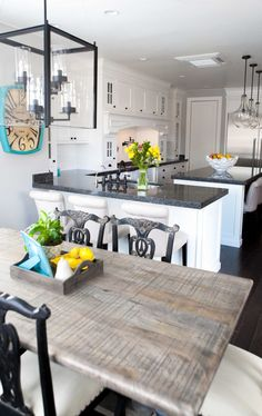 10 Great Tips to Creating a Beautiful White Kitchen! Love all these tips! overthebigmoon.com!