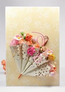 Открытка с зонтиком - How to make a small parasol with a doily.  Step by step instructions (in a foreign language) but great photos you can look at to learn how she makes a really cute parasol.