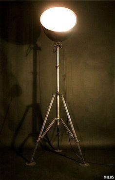 Lampe phare et lampe trepied au meilleur prix lampe for Lampe eclipse meilleur prix