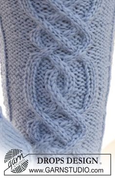 "Zen Zoe / DROPS – Gestrickte DROPS Socken mit Zopfmuster in "" Karisma "". Ajourrautenmuster Purl on Pearl. Lace Knitting Stitches, Cable Knitting Patterns, Diy Crochet And Knitting, Easy Knitting, Knitting Socks, Crochet Patterns, Drops Design, Drops Patterns, Zen"