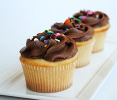 Leanne bakes: Vanilla Cupcakes with the Best Chocolate Frosting ...