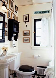 Retro Bathroom Decor Signs | Vintage-Style Bathrooms to Swoon Over | Calfinder Remodeling Blog