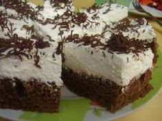 Myra's kitchen: Prajitura cu crema de branza English Sweets, Romanian Desserts, Buffet, Good Food, Cookies, Kitchen, Sweets, Deserts, Pies