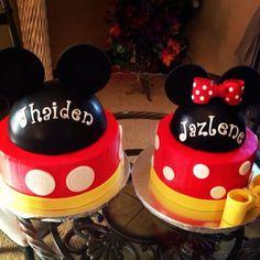 Mickey and Minnie cake - Bolo Fake Minnie, Bolo Da Minnie Mouse, Mickey And Minnie Cake, Mickey Mouse Birthday Decorations, Mickey Mouse Birthday Cake, Pastel Mickey, Twins Cake, Twin First Birthday, Twins 1st Birthdays