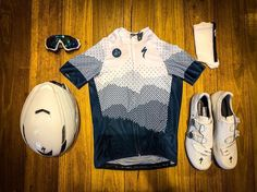 As a beginner mountain cyclist, it is quite natural for you to get a bit overloaded with all the mtb devices that you see in a bike shop or shop. There are numerous types of mountain bike accessori… Cycling Wear, Cycling Jerseys, Cycling Outfit, Cycling Clothing, Mtb Accessories, Mountain Bike Accessories, Urban Cycling, Bike Kit, New Motorcycles