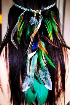 I love the feathers in her hair! so beautiful, I cant wait to try this:)