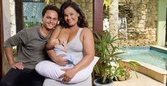 """Возраст беременности не помеха!   Счастье материнства доступно в любом возрасте:  Соланж Коуту - бразильская актриса, известная, например, по роли Доны Журы в сериале """"Клон"""". В 2010 году актриса вышла замуж за студента, который моложе её на 30 лет (от второго брака у Соланж Коуту двое детей). В 2011 году 54-летняя бразильянка родила ребёнка от своего нынешнего мужа.  Что касается матерей, родивших детей после искусственного оплодотворения, то здесь рекорд принадлежит 70-летней индианке…"""