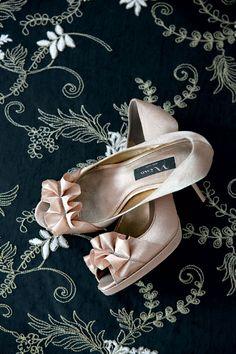 Nina Evelixa gold satin peep-toe pumps   Deco