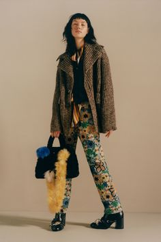See the complete Acne Studios Pre-Fall 2017 collection.