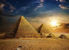 Piramide recent descoperite. Fascinante prin măreţia lor şi prin misterul care le înconjoară, piramidele au fost şi sunt încă obiect de studiu pentru arheologi, dar şi subiectul unor dispute aprige între...