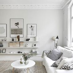 White and beautiful. via @majfol #scandicliving #homedecor #minimalism…