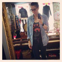 Look du jour bonjour!!  Chemise en jean vintage, t-shirt Forever Young Stepart, slim brut Cimarron,  shoes No Name, manchette Tipy Hipanema, collier encre La Tête de Sophie - @aupigeonnier- #webstagram