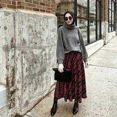 Hijab Style Hijab Outfit Hijab fashion Source by newseasonwomen outfits hijab Hijab Casual, Hijab Chic, Hijab Fashion Casual, Muslim Fashion, Modest Fashion, Fashion Outfits, Hijab Styles, Hijab Fashion Instagram, Modest Outfits