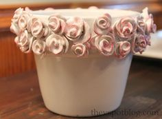 Tutorial for rose rimmed pot, so pretty and looks pretty easy to do.