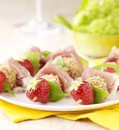 Prikkertjes met aardbeien, mozzarella en ham - Colruyt Culinair !
