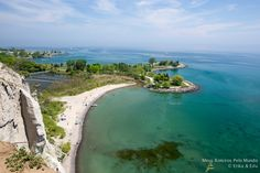Bluffs Park Scarborough O Bluffs Park fica a 15km do centro de Toronto (Union…