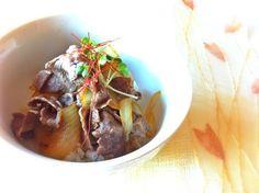 牛丼の玉ねぎあまくってだいすきです(=^ェ^=)♡おいしくできましたっ♪♪ ひとりごはんはやっぱりいやだけど、料理は楽しいですp(^_^)q !! - 98件のもぐもぐ - 牛丼 by naaaru